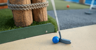 Discover the art of mini golf